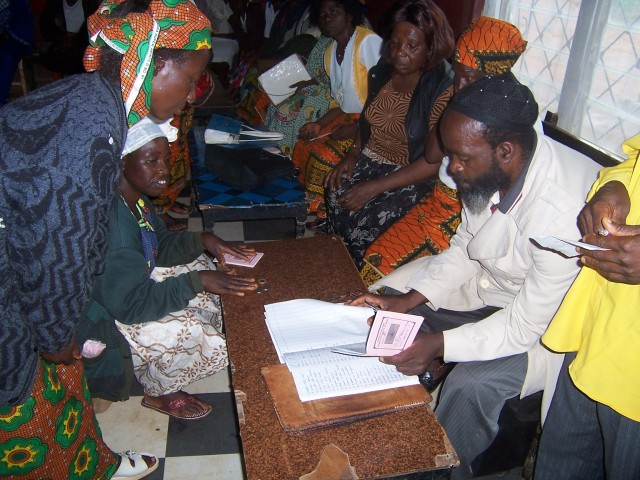 cameroon.shumas. Womens cooperative savings and credit scheme, Oku 2008