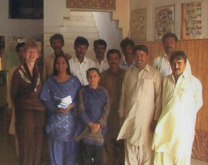 fioh.fund.pakistan.participatory.village.development.programme. Poverty alleviation in the Thar Desert. Joanna Heaven with PVDP staff 2008