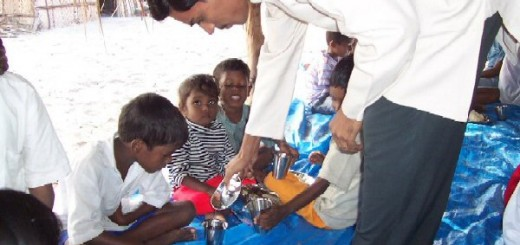 india.fioh.fund.hearts.tsunami relief. Mohan Rao with orphan children victims of the tsunami