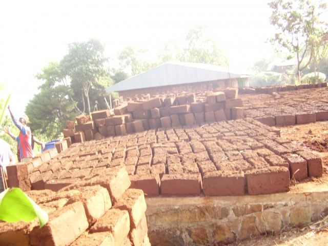 fioh.fund.cameroon.glores. Blocks for the new treatment centre
